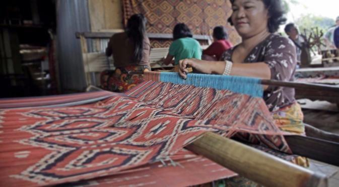 Sekomandi Ikat (Tie) Weaving